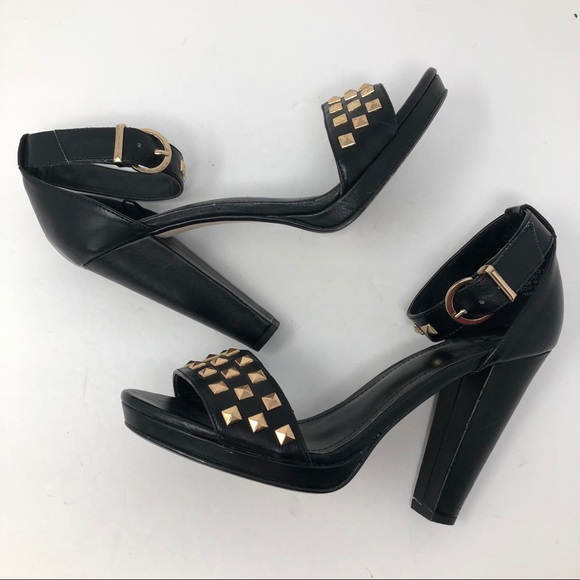 H&M Shoes - H&M CHUNKY HEEL GROMMET SHOE 40/10
